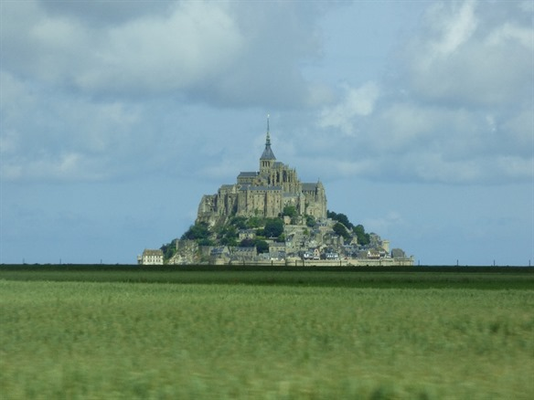Mont-Saint-Michel (about 1½ hrs)  -  95 km