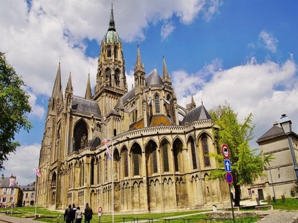 Bayeux (about 1½ hrs)  -  120 km